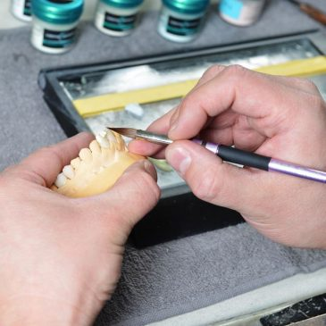 Devenez prothésiste dentaire !